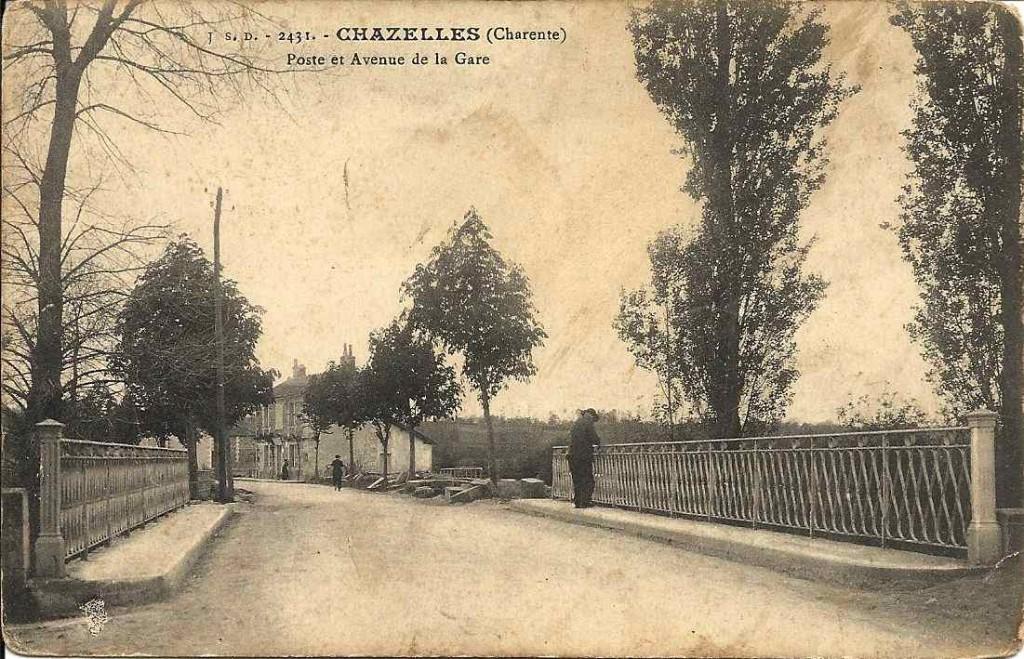 Chazelles, poste et avenue de la gare